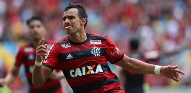 Internado, o atacante Henrique Dourado está fora da partida entre Flamengo e Grêmio - Gilvan de Souza/ Flamengo