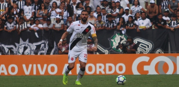 Leandro Castan em ação pelo Vasco; clube trabalha para manter o jogador - Carlos Gregório Júnior / Flickr do Vasco