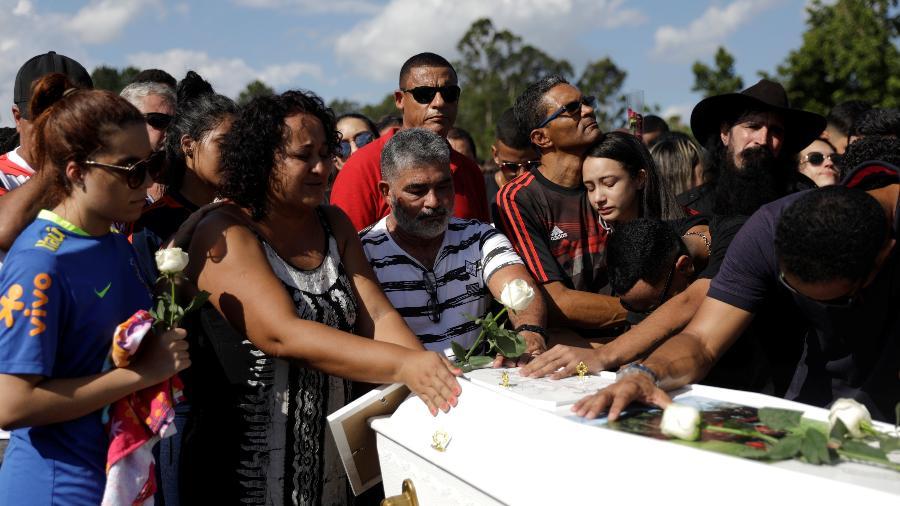 Marilia, mãe do jovem Arthur Vinicius, jogador do Flamengo morto em incêndio no CT Ninho do Urubu - Ricardo Moraes/REUTERS