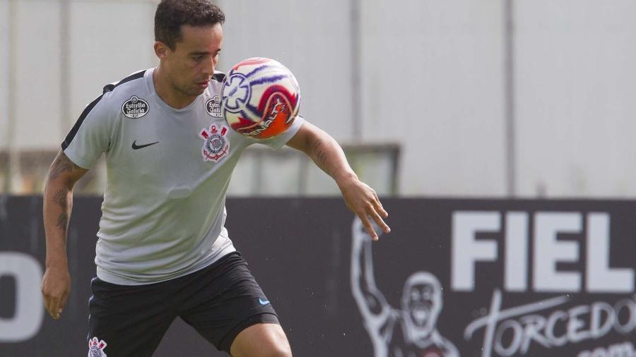 Jadson demonstrou mágoa em seu texto de despedida no Corinthians nesta quarta-feira. Ele pode jogar no Coritiba - Daniel Augusto Jr/Ag. Corinthians