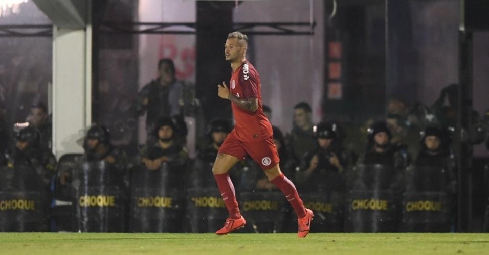 Nico López comemora após marcar para o Inter contra o Novo Hamburgo