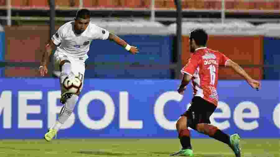 Derlis González - Ivan Storti/Santos FC