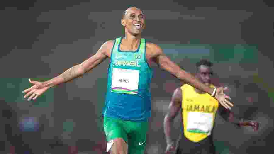 Alison Santos cruza em primeiro e leva medalha de ouro nos 400m com barreira pelo Pan - Jonne Roriz/COB
