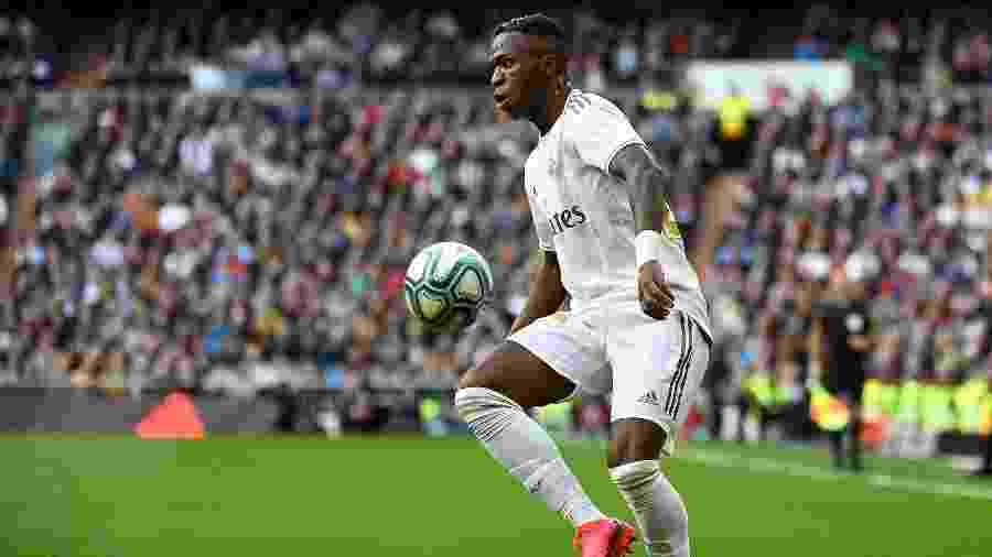 Vinicius Júnior iniciou jogada que resultou no único gol da partida - PIERRE-PHILIPPE MARCOU / AFP
