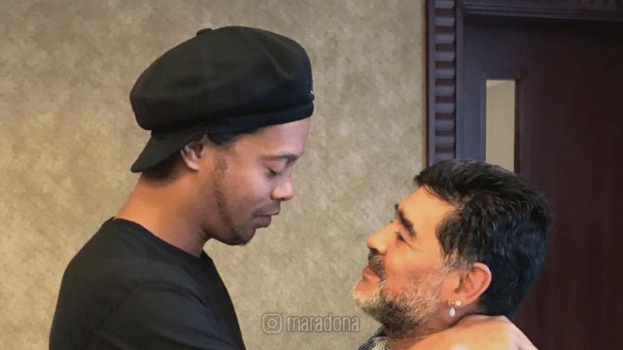 Diego Maradona em foto com Ronaldinho Gaúcho - Reprodução/Instagram