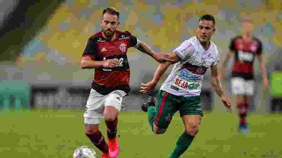 Everton Ribeiro na vitória do Flamengo sobre a Portuguesa pelo Carioca - Thiago Ribeiro/AGIF