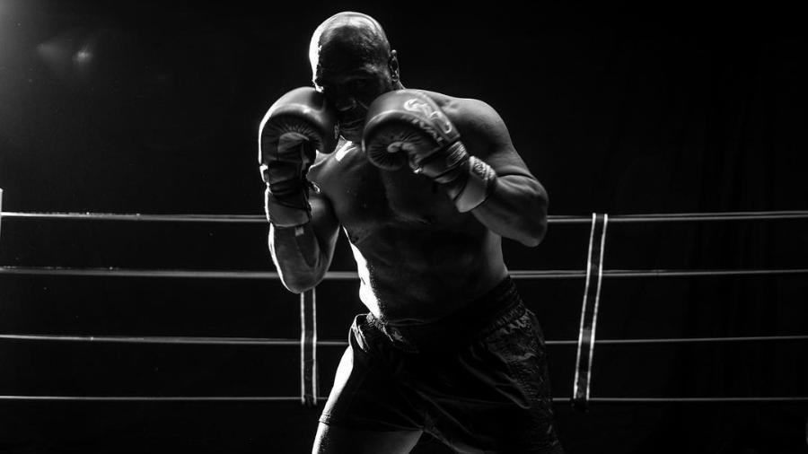 Mike Tyson divulga primeiras fotos trajado para a luta contra Jones - Reprodução/Instagram