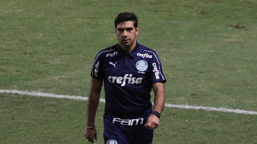 Abel Ferreira, durante a partida entre Palmeiras e América-MG - Fernando Moreno/AGIF