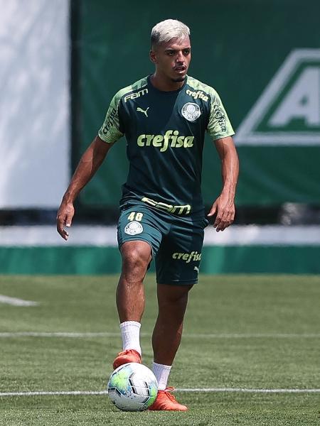 Gabriel Menino participa de treino do Palmeiras desta quarta (24) - Cesar Greco/ Palmeiras