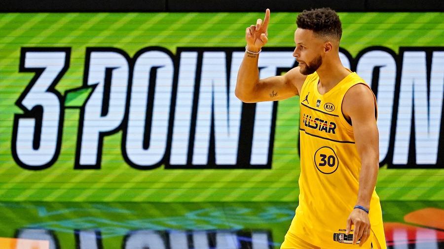 Stephen Curry comemora título no torneio de 3 pontos do All-Star Game da NBA - Dale Zanine-USA TODAY Sports