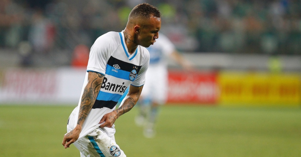 Everton marca para o Grêmio contra o Palmeiras no Allianz Parque