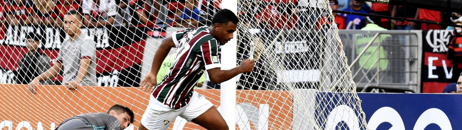 Wendel abre o placar para o Fluminense diante do Flamengo no Campeonato Brasileiro 2017
