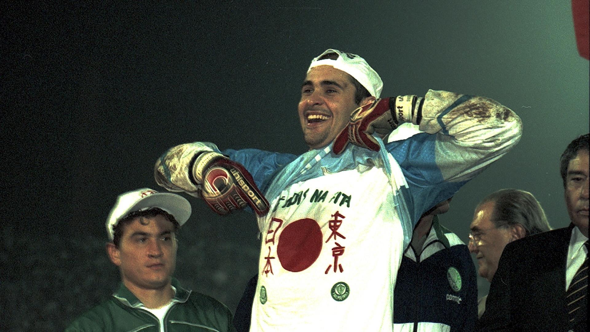 Marcos comemora título da Libertadores de 1999