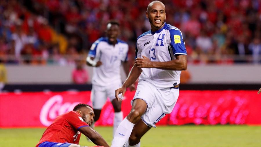 Eddie Hernández comemora após marcar por Honduras contra a Costa Rica - Juan Carlos Ulate/Reuters