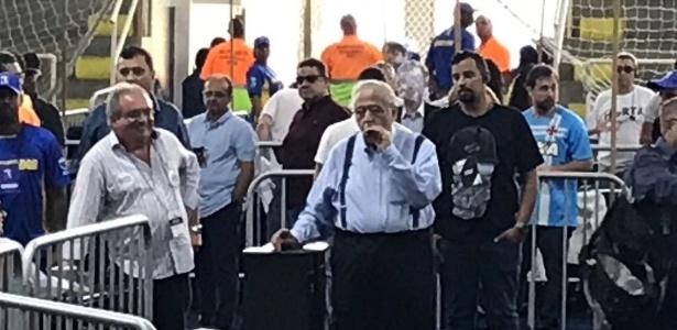 Eurico Miranda foi até a imprensa e fez reclamações