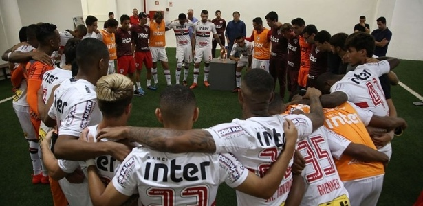 Elenco do São Paulo mostra união por um 2018 melhor para o clube