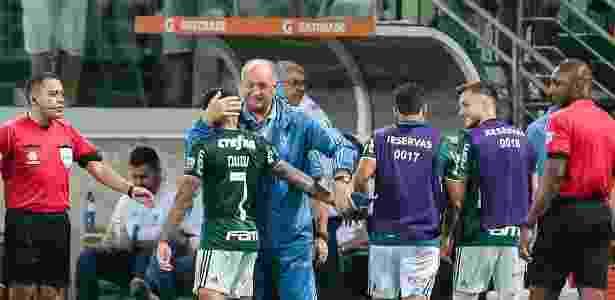 Dudu comemora gol do Palmeiras com Felipão durante jogo pela Libertadores - Ale Cabral/AGIF