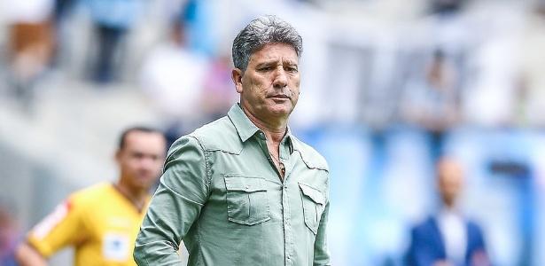 Renato Gaúcho preferiu permanecer no Grêmio e renovou contrato até o fim de 2019
