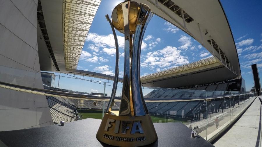 Troféu conquistado em 2012 chegou a ser penhorado por conta de uma dívida com uma instituição de ensino - Divulgação/SC Corinthians Paulista