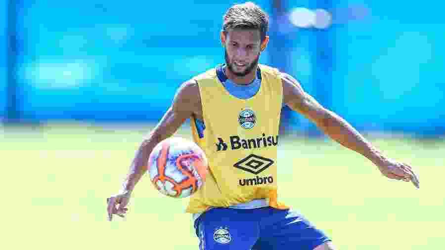 Juninho Capixaba pode ser titular na Libertadores se Cortez não tiver condições de jogo - Lucas Uebel/Grêmio