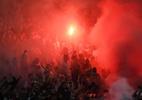 Polícia detém 4 torcedores do Ajax por foguetório em hotel do Real - Janek Skarzynski/AFP