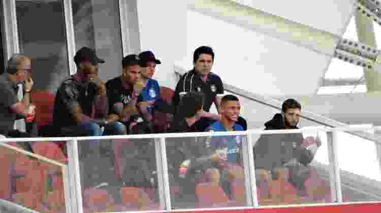 Luan observa Gre-Nal 419 em camarote do estádio Beira-Rio - Jeremias Wernek/UOL - Jeremias Wernek/UOL