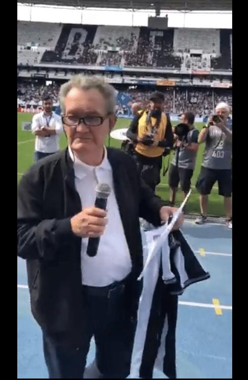 Léo Batista narra escalação do Botafogo no Engenhão