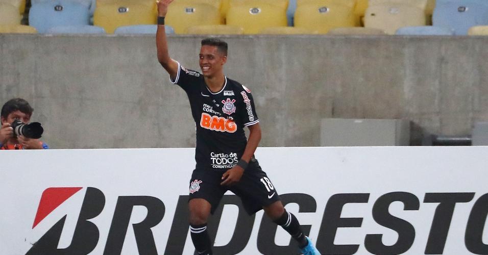 Pedrinho comemora gol do Corinthians contra o Fluminense