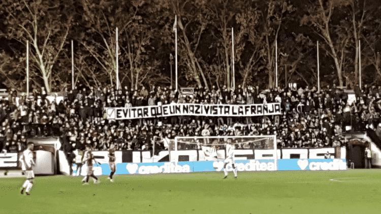 """Bukaneros erguem faixa contra a presença de Roman Zozulya no Rayo Vallecano: """"Nazi"""" - Reprodução: Twitter - Reprodução: Twitter"""