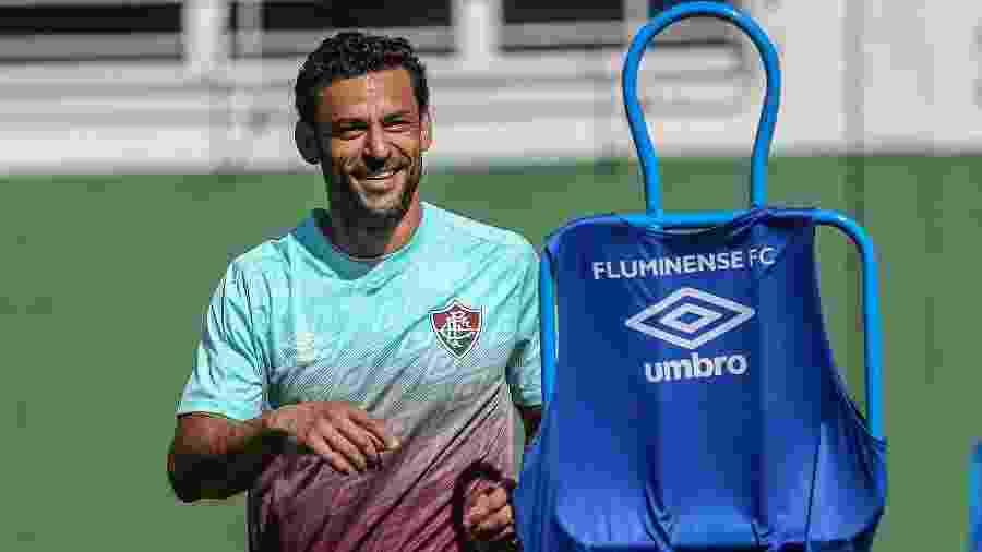 Fred voltou a treinar com bola no Fluminense após cirurgia no olho - Lucas Merçon/Fluminense FC
