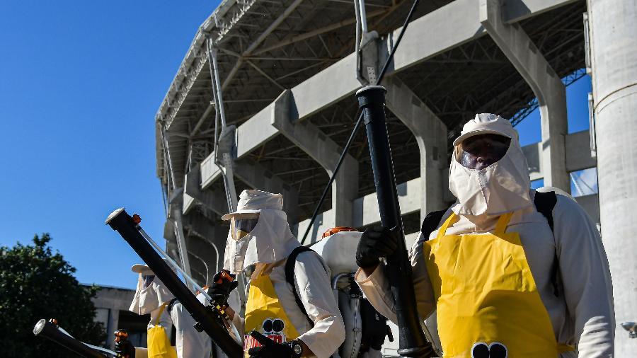 Protocolo especial de saúde contra o coronavírus no estádio de futebol Nilton Santos - Thiago Ribeiro/AGIF