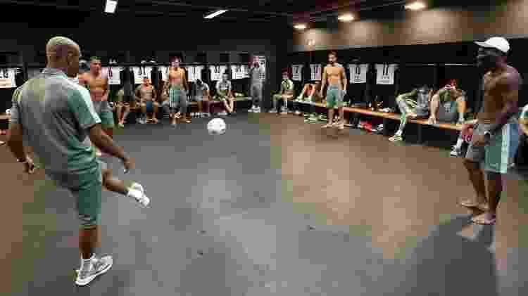 Jogadores do Palmeiras no vestiário antes da partida diante do Flamengo, pela Supercopa do Brasil - Cesar Greco/Palmeiras - Cesar Greco/Palmeiras