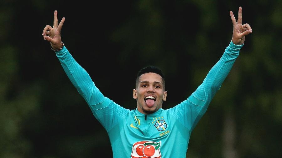 Paulinho, atacante da seleção olímpica, durante treino no CT do Palmeiras - Marco Galvão/CBF