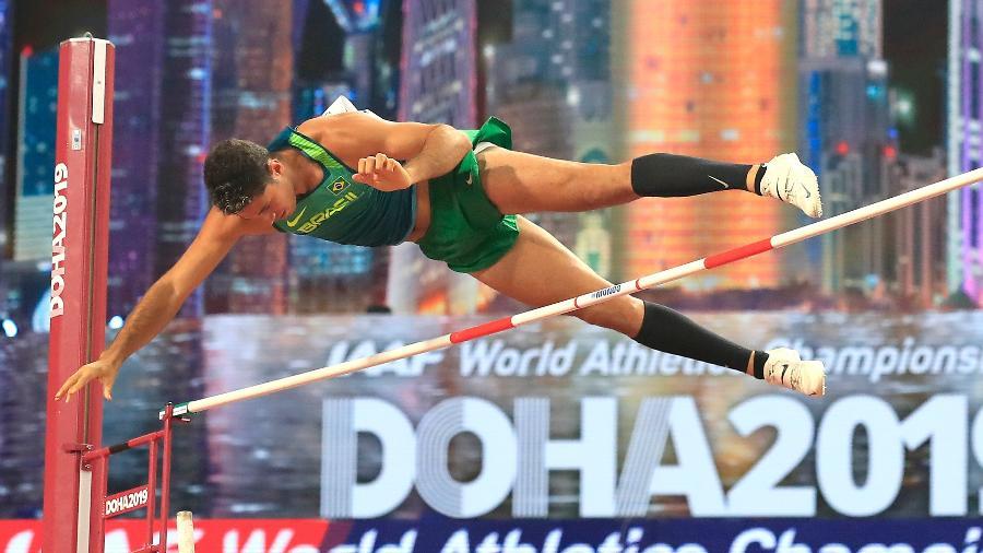 Campeão olímpico Thiago Braz, do salto com vara, em ação no Mundial de Atletismo de Doha, em 2019 - Andy Lyons/Getty Images for IAAF