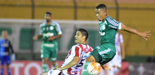 Gabriel Jesus marcou contra o River Plate-URU na Libertadores - EFE/Gaston Britos