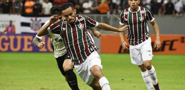 Gustavo Scarpa celebrou a vitória do Flu diante do Flamengo