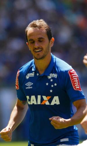 Lucas, lateral direito do Cruzeiro