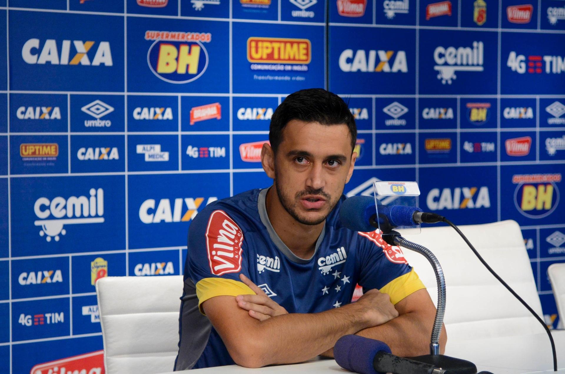 Cruzeiro já estuda contratar e manter Robinho para depois de 2017 -  27 10 2016 - UOL Esporte e4358b94f6fab