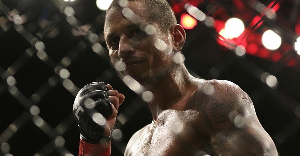 Johnny Eduardo (Brasil) enfrenta Manvel Gamburyan (Armênia) pelos pesos galos