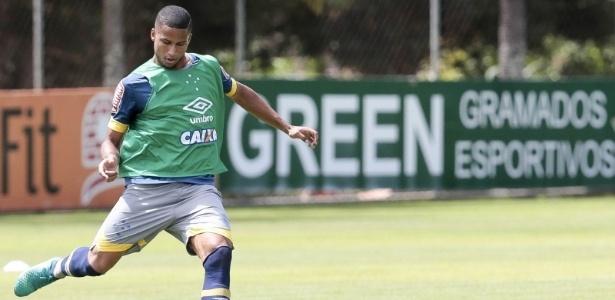 Zagueiro Murilo se tornou figura indispensável no elenco do Cruzeiro