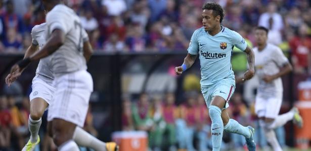 Neymar em ação pelo Barcelona em amistoso de pré-temporada contra o United