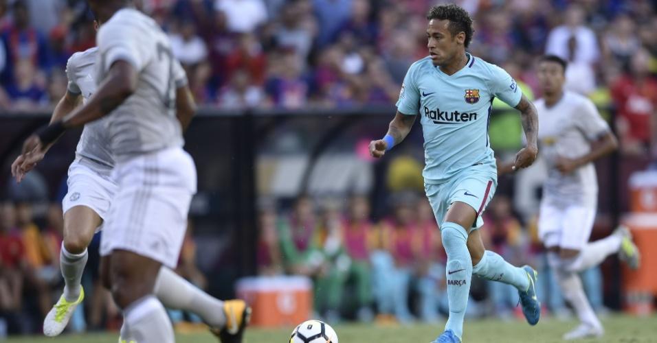 Neymar em ação pelo Barcelona contra o Manchester United