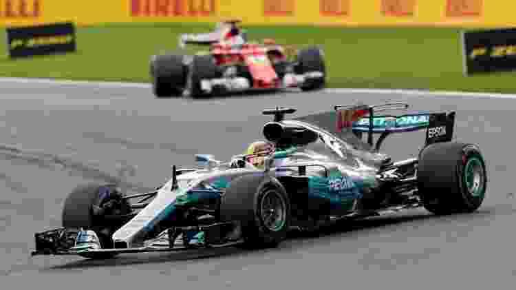 Hamilton lidera a prova na Bélgica, com Vettel em segundo - Reuters - Reuters
