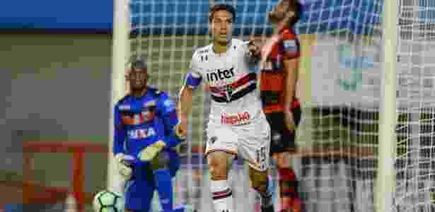 Mercado da Bola  São Paulo traz Hernanes e Rodrigo Caio fecha com o ... 23bb0982857b9