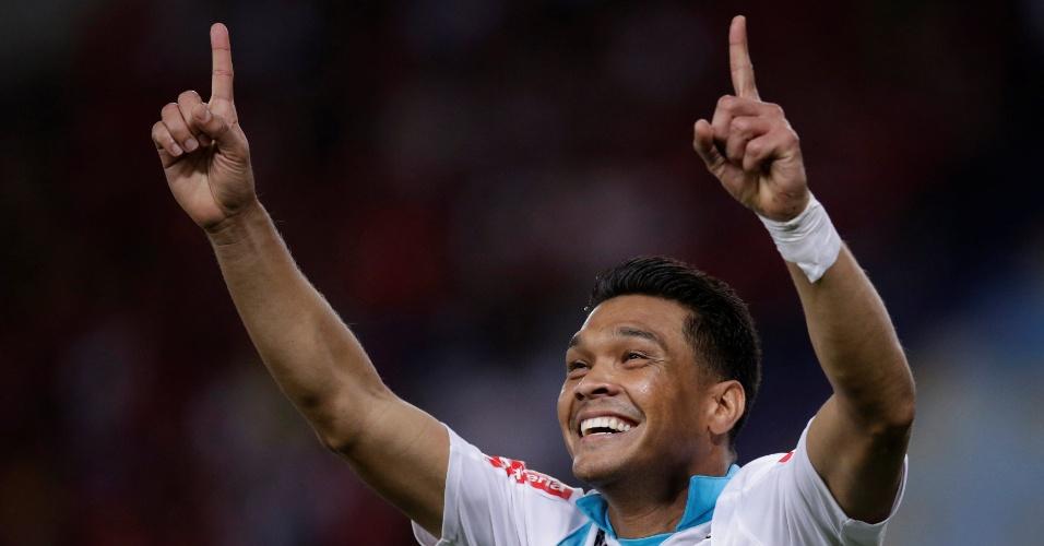 Teo Gutierrez comemora o gol na partida entre Junior Barranquilla e Flamengo, pela Sula