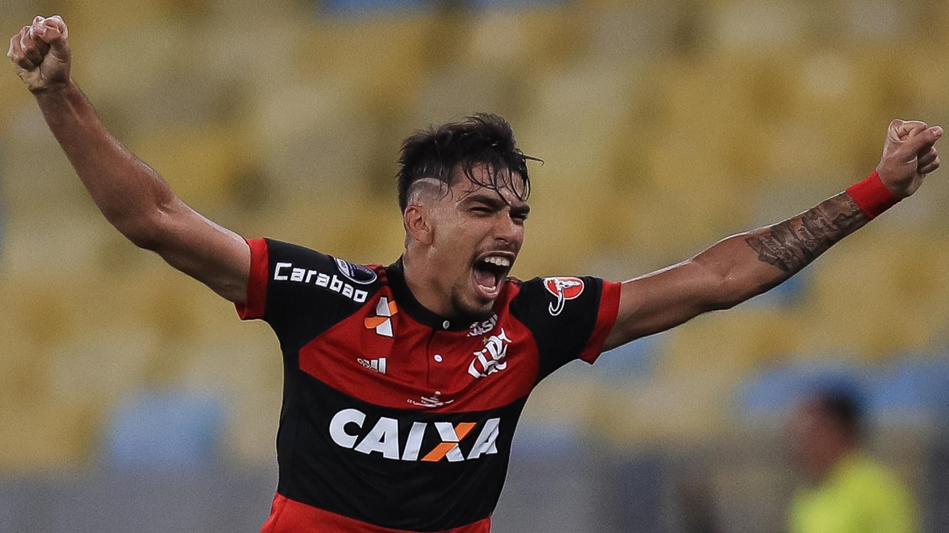 Lucas Paquetá comemora gol do Flamengo sobre o Independiente