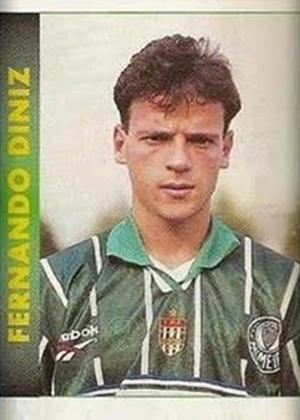 """FERNANDO DINIZ era meia e passou pelo Palmeiras em 1996; como treinador, ficou conhecido pelo estilo """"tiki-taka"""" e está no Atlético-PR"""
