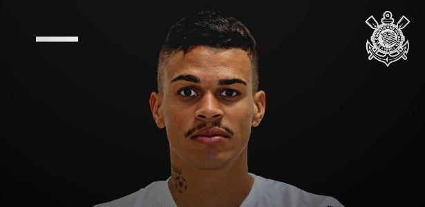 Volante foi aprovado em exames médicos e assinou contrato válido até o fim de 2022 - Divulgação/Corinthians