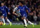 """Alvo do Barcelona, Willian afirma: """"Meu futuro é no Chelsea"""" - Adrian Dennis/AFP"""