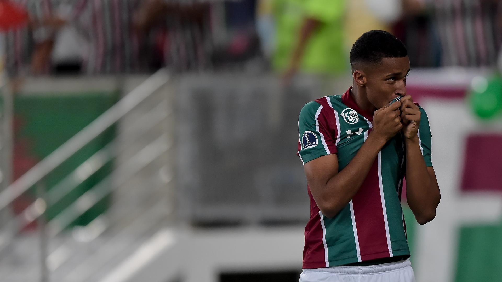 Marcos Paulo comemora gol do Fluminense contra o Peñarol